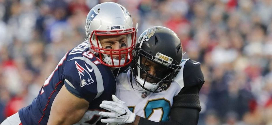 Report: Pair of Key Players Return for Patriots; Latest on Brady's Hand
