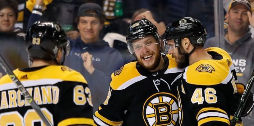 Pastrnak Hat Trick Sinks Maple Leafs in Game 2