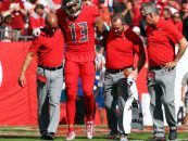 Report: Mike Evans Out for Season With Hamstring Injury