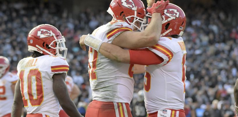 Kansas City Chiefs Meet Chicago Bears with First-Round Bye on the Line