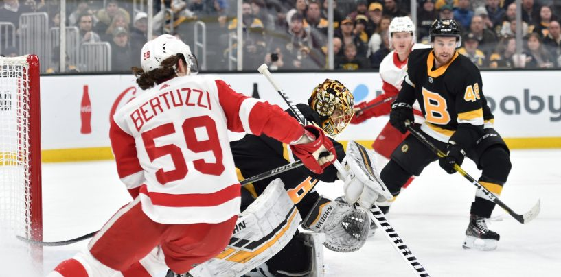 Cassidy Wins 200th Game in Bruins' Victory over Red Wings