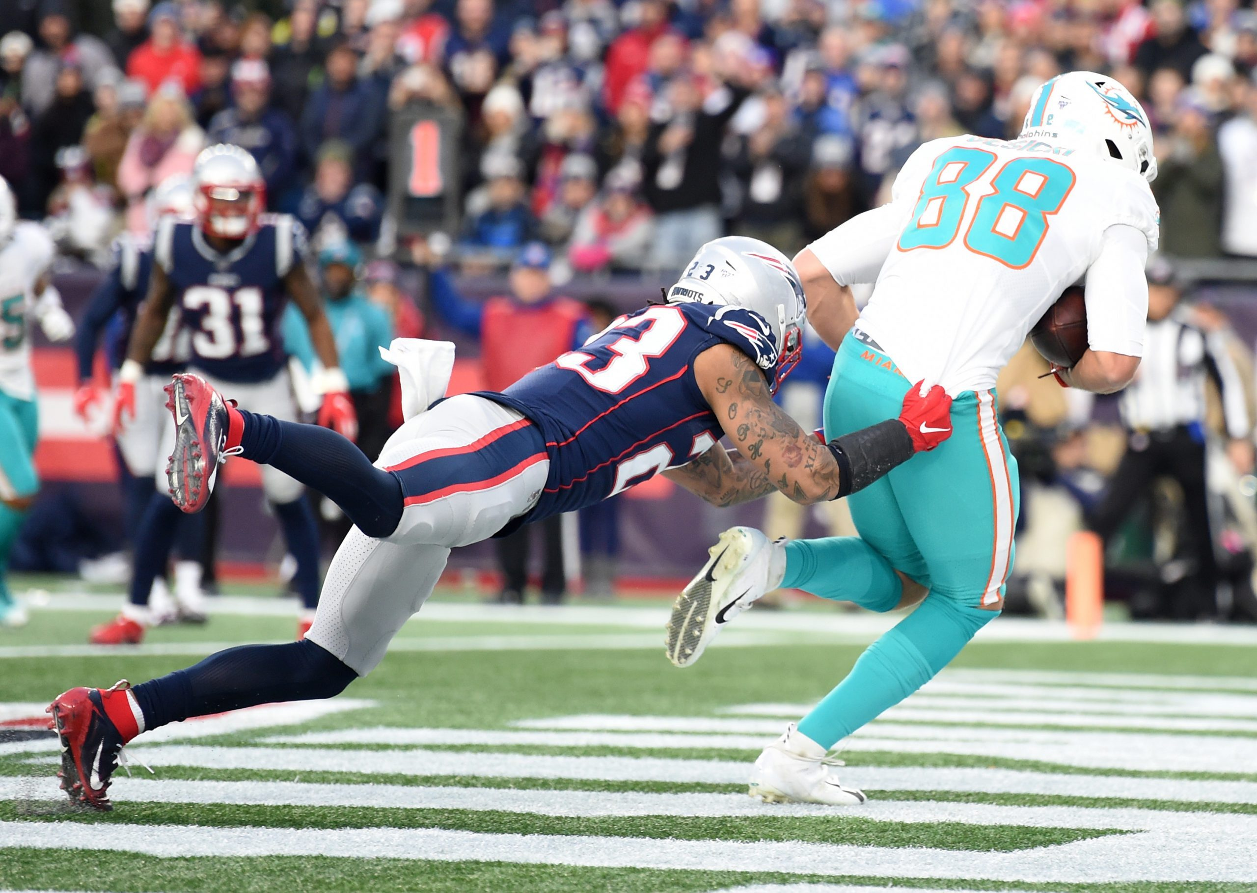 Report: Patriots, Chung Agree to Extension