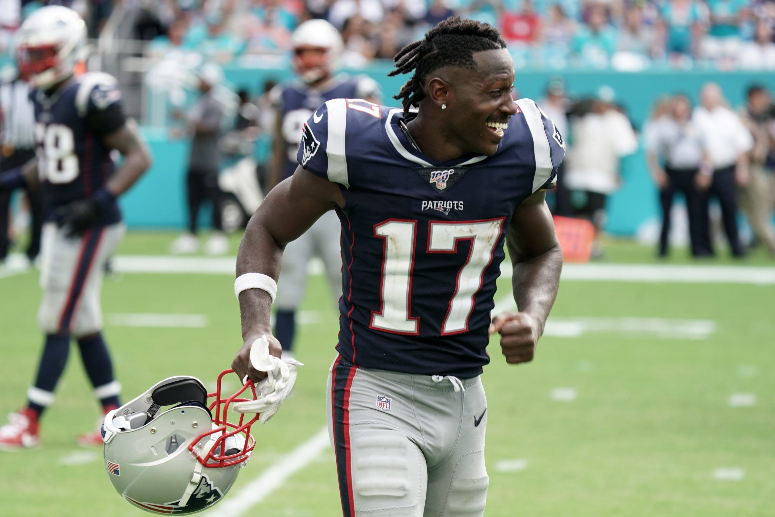 NFL Issues 8-Game Suspension to Antonio Brown