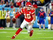 Report: Chiefs Sign Patrick Mahomes to 10-Year Extension
