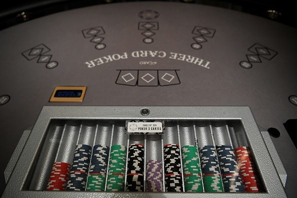 How Poker Can Make You a Better Bettor