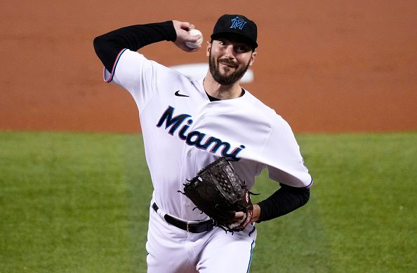 Brewers Acquire John Curtiss From Marlins